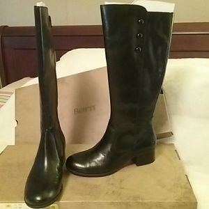 Ladies tall leather boot